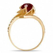 Золотое кольцо Бурбонская роза с синтезированным рубином и дорожками белых фианитов