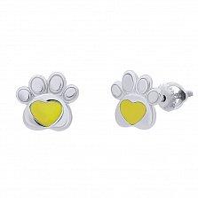 Серебряные серьги-пуссеты Лапка с сердцем с желтой эмалью,8х8 мм