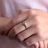 Золотое кольцо Альграна в белом цвете с изумрудом и бриллиантами