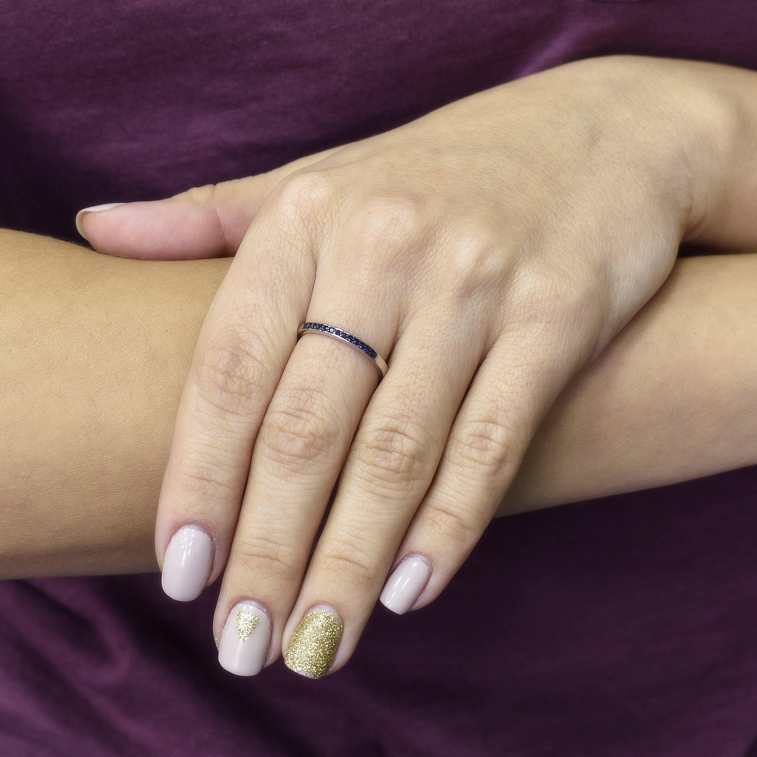 Кольцо Миннесота из белого золота с дорожкой сапфиров