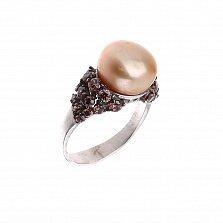 Серебряное кольцо Калиани с золотистой жемчужинкой и коньячными фианитами