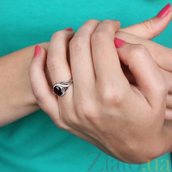 Серебряное кольцо Эвита с гранатом и цирконием 000010564