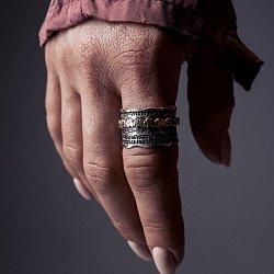 Кольцо из серебра Africa с золотой вставкой и чернением 000091450