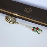 Серебряная ложка с эмалью Клубника