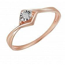 Золотое кольцо Мелодия с бриллиантом и насечкой