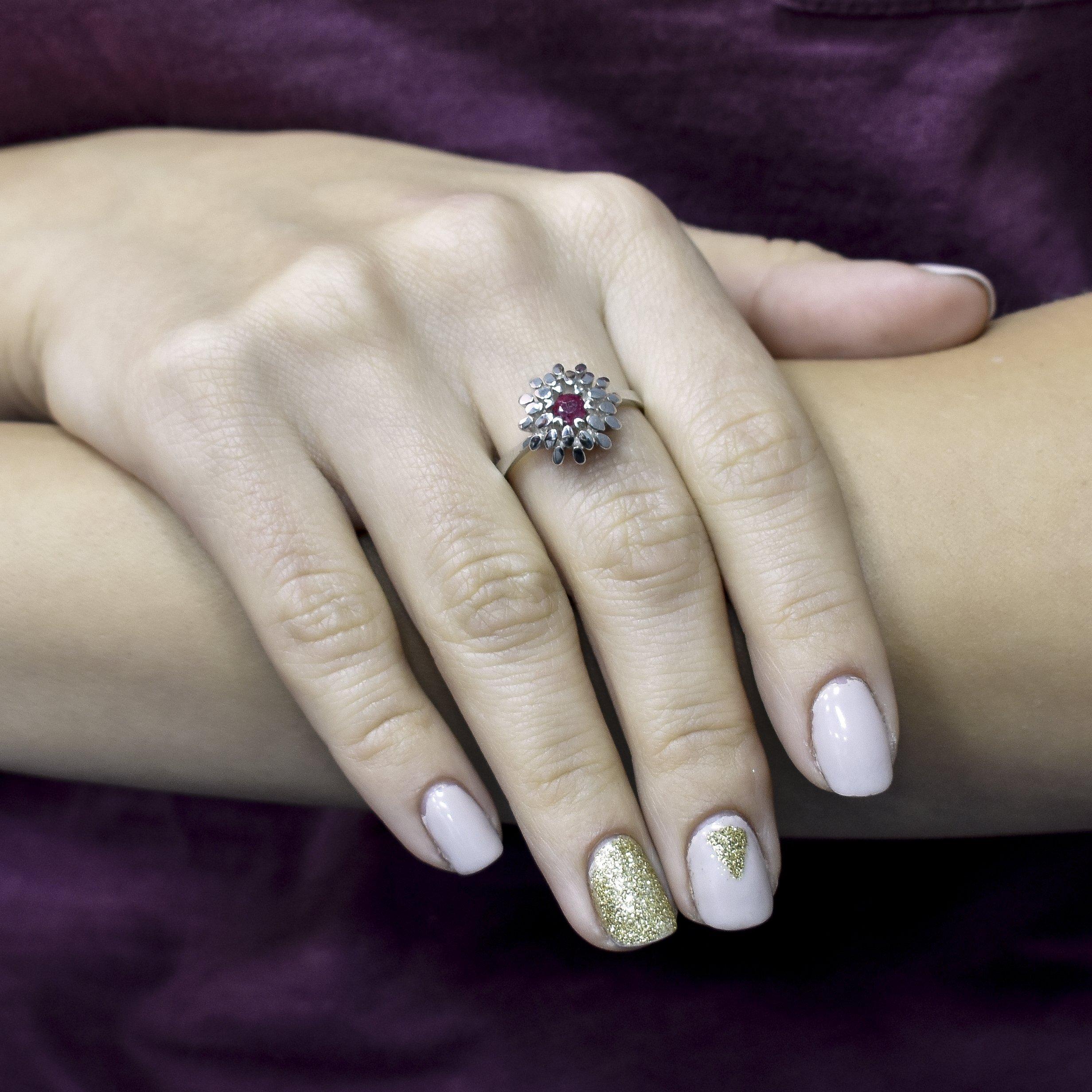 Серебряное кольцо Маргарита с рубином