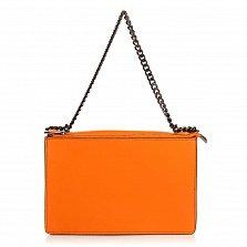 Кожаный клатч 8909 морковного цвета с узорной перфорацией на клапане и ручкой-цепочкой