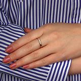 Золотое кольцо с фианитами в красном цвете Дарина