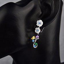 Серебряные серьги Нежные цветы с разноцветными фианитами и перламутром