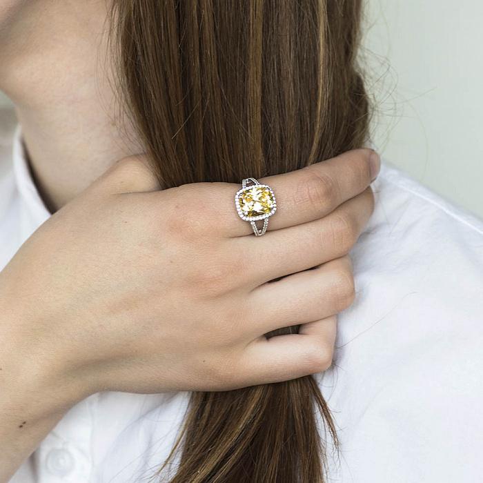 Серебряное кольцо Кармина с цирконием цвета шампань