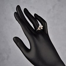 Серебряное кольцо Трилистник с разомкнутой шинкой и белыми фианитами