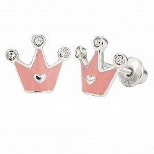 Детские серебряные серьги-пуссеты Корона с сердцем, белыми фианитами и розовой эмалью, 9х10мм