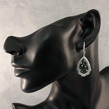 Серебряные узорные серьги-подвески Таисия с черными и белыми фианитами