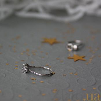 Серебряные серьги Блэссинг с белыми фианитами TNG--470711С