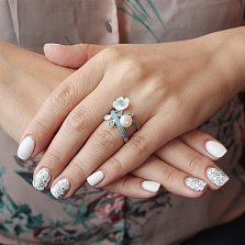 Серебряное кольцо Морской цветок с белым жемчугом, перламутром и голубым цирконием