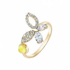 Кольцо в желтом золоте Веселая бабочка с синтезированным бесцветным кварцем и фианитами