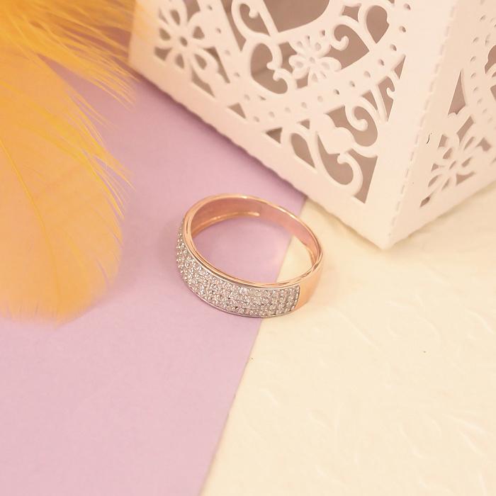 Золотое кольцо в красном цвете с белыми фианитами 000023462 000023462
