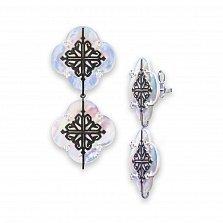 Серебряные серьги-подвески Лакшери из двух цветочков с перламутром и красным корундом