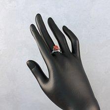 Серебряное кольцо Джулия с узорной шинкой, кораллом и фианитом