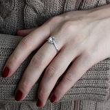 Серебряное кольцо Нежность и сила с фианитами