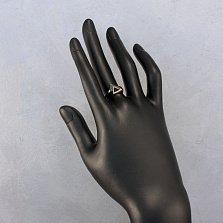 Золотое кольцо Двойной треугольник с черным агатом и зелеными кристаллами