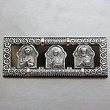 Серебряная икона Святая Троица в машину с ониксом и золотыми накладками