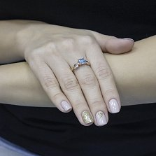 Кольцо из красного золота Бет с голубым топазом и фианитами