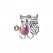 Серебряная брошка Кошачья парочка с розовым улекситом, фианитами и золотой вставкой