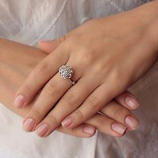 Серебряное кольцо Объемный цветок с белыми фианитами внутри