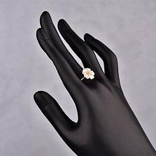 Золотое кольцо Врезия с белыми перламутром и фианитами