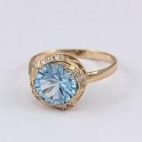 Золотое кольцо с голубым топазом и фианитами Атлантида