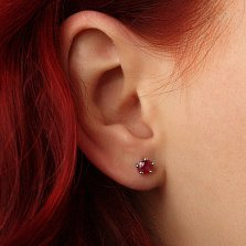 Серебряные серьги-пуссеты с рубинами Комплимент