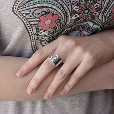 Серебряное разомкнутое кольцо Вечное дерево с чернением