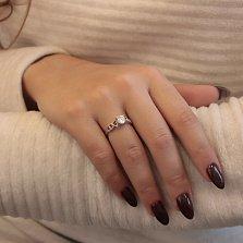 Серебряное кольцо Плывущие сердца с белым фианитом и узорной шинкой