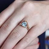 Золотое кольцо с топазом и фианитом Идонеа