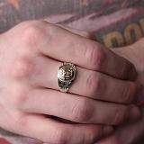 Серебряное кольцо с золотой вставкой Адмирал