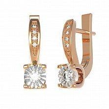 Золотые серьги Мелисса с бриллиантами и алмазной насечкой вокруг основной вставки