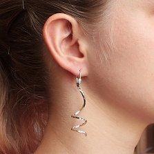 Серебряные родированные серьги-подвески Спираль с насечкой
