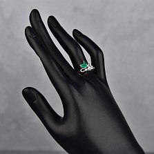 Серебряное кольцо Нежная веточка с зелеными агатами и фианитами