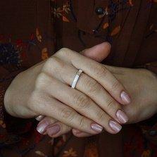 Кольцо в желтом золоте Инга с керамикой и бриллиантами