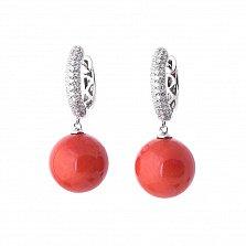 Золотые серьги-подвески Зимние ягоды с кораллами и бриллиантами