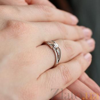 Кольцо из белого золота с бриллиантом Ashley VLA--12339