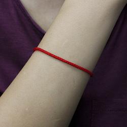 Браслет из красного шелка Матиас с позолоченной серебряной застежкой, 2 мм