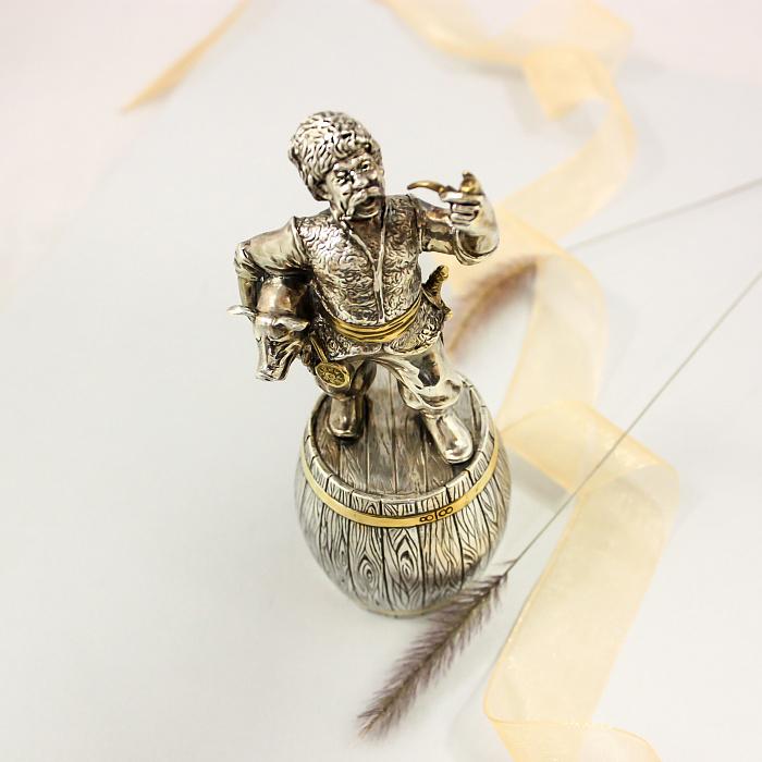 Серебряная штрафная рюмка Казак с трубкой в частичной позолоте 000082762