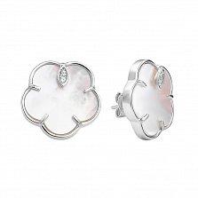 Серебряные серьги-пуссеты Утренний цветок с белым перламутром и фианитами