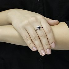 Серебряное кольцо Бонна в форме бантика с сапфирами и фианитами