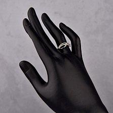 Золотое кольцо Лианима в белом цвете с узором на шинке и дорожками из белых фианитов