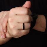 Золотое обручальное кольцо Дорога счастья с черной эмалью
