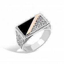Серебряный перстень-печатка Лондон с золотой накладкой, имитацией оникса, фианитами и чернением