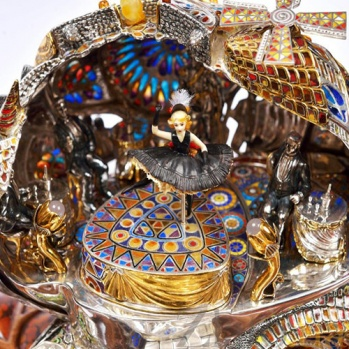Серебряная авторская композиция с механизмом Кабаре-Улитка 0000000